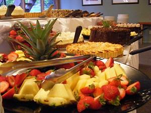 Lumina food table