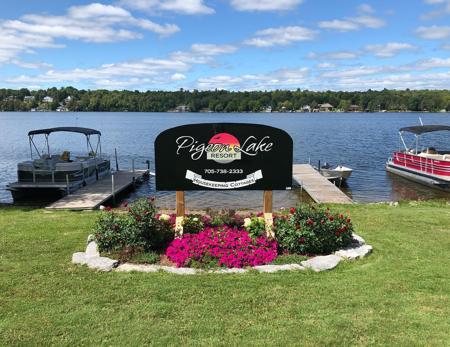 Image of Pigeon Lakes sign waterfront